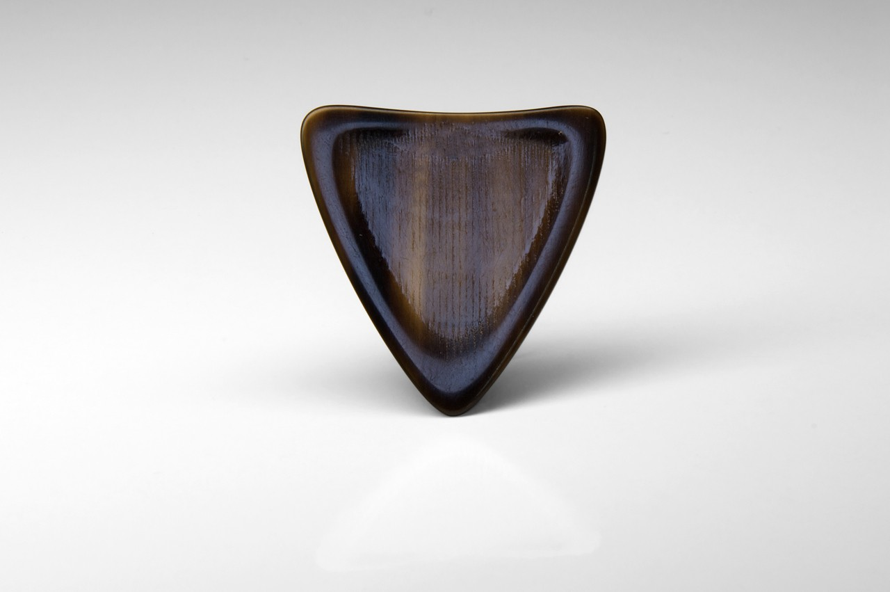 All-round Custom Guitar Pick • Versatile pick for guitar or bass • Buffalo Horn Pick / Plectrum